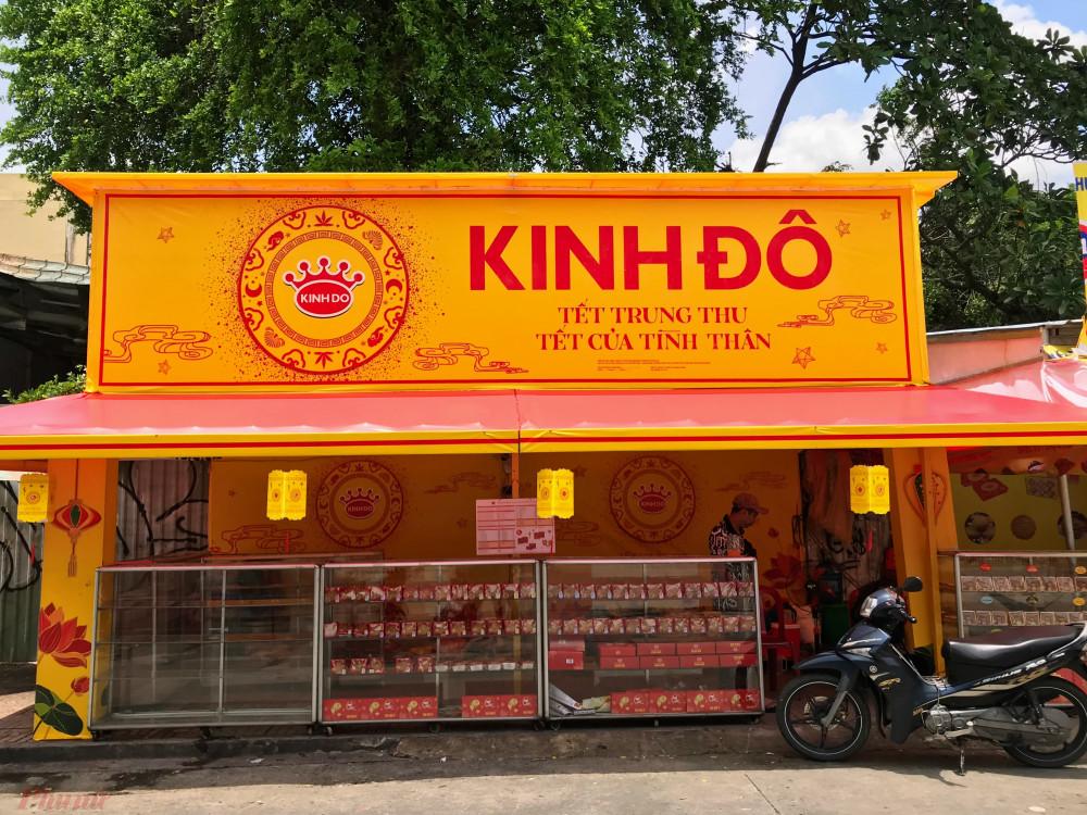 Điểm bán bánh của anh Nguyễn Thái Sơn. Ảnh: Quốc Thái