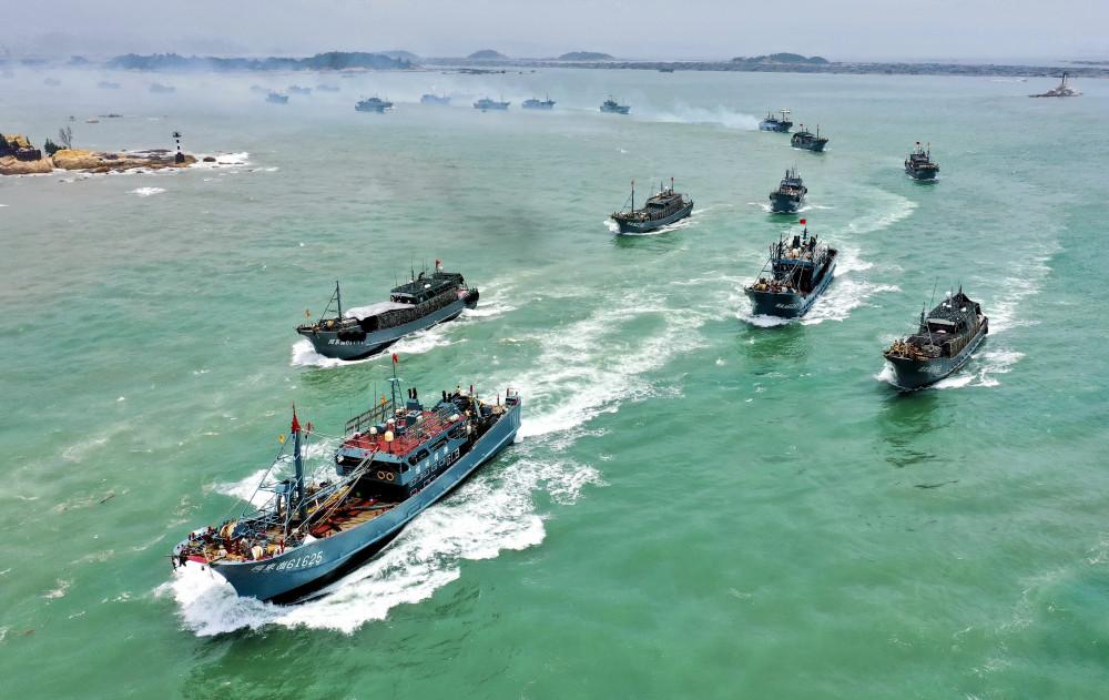 Tàu cá biển có vũ trang của Trung Quốc bị cáo buộc thực hiện nhiều hoạt động đánh bắt cá phi pháp trên các vùng biển quốc tế - Ảnh: Xinhua