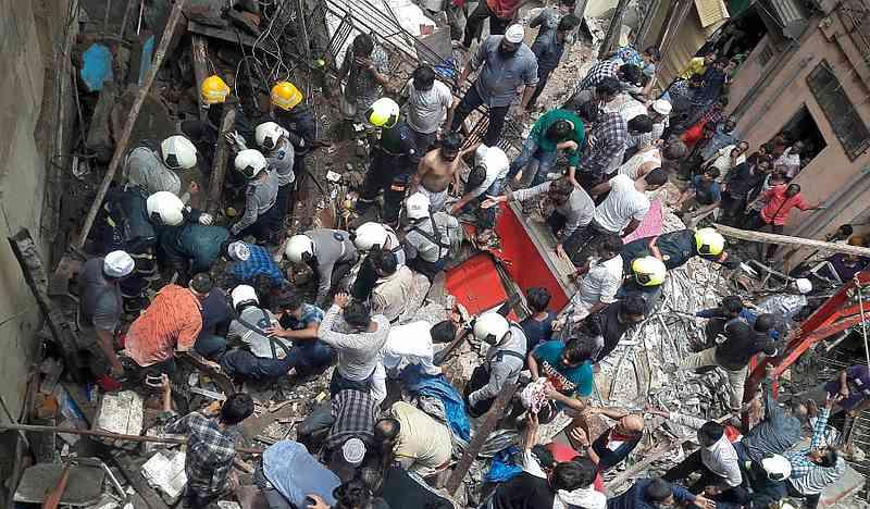 Ít nhất 8 người chết trong vụ sập tòa nhà ở Mumbai.