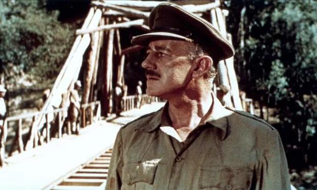 Alec Guimess trong phim Cầu sông Kwai