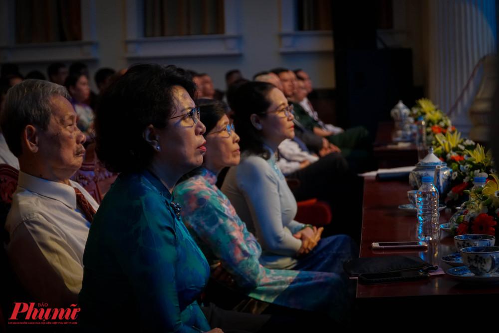 Buổi họp mặt có sự thm gia nhiều lãnh đạo, nguyên lãnh đạo thành phố