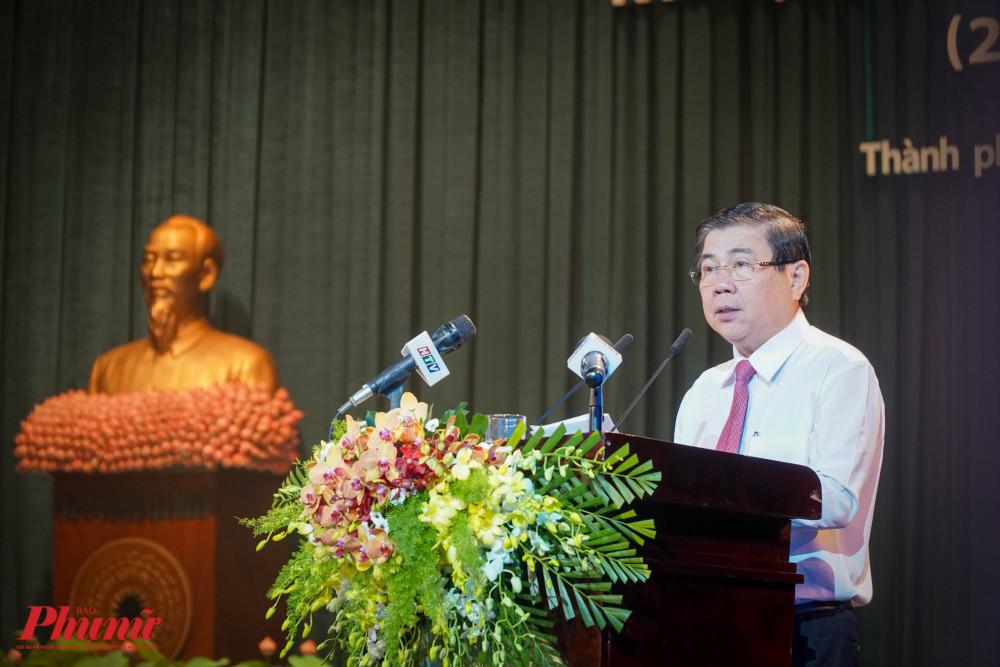 Chủ tịch UBND TPHCM Nguyễn Thành Phong thay mặt lãnh đạo thành phố, gửi lời tri ân đến các lão thành cách mạng, Mẹ Việt Nam anh hùng...