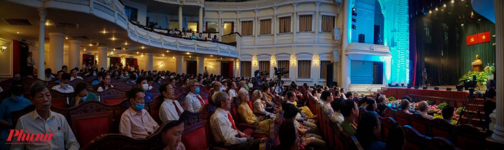 Buổi họp mặt có sự tham gia của các Mẹ Việt Nam anh hùng, anh hùng lực lượng vũ trang nhân dân...