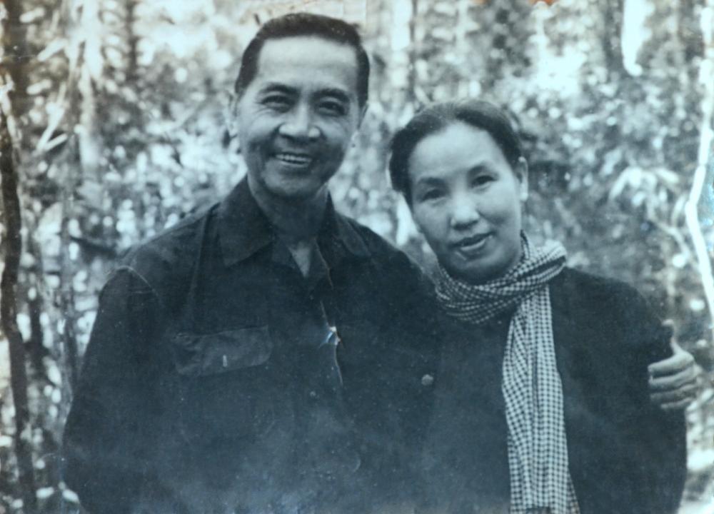 Ông bà Huỳnh Tấn Phát - Bùi Thị Nga trong kháng chiến