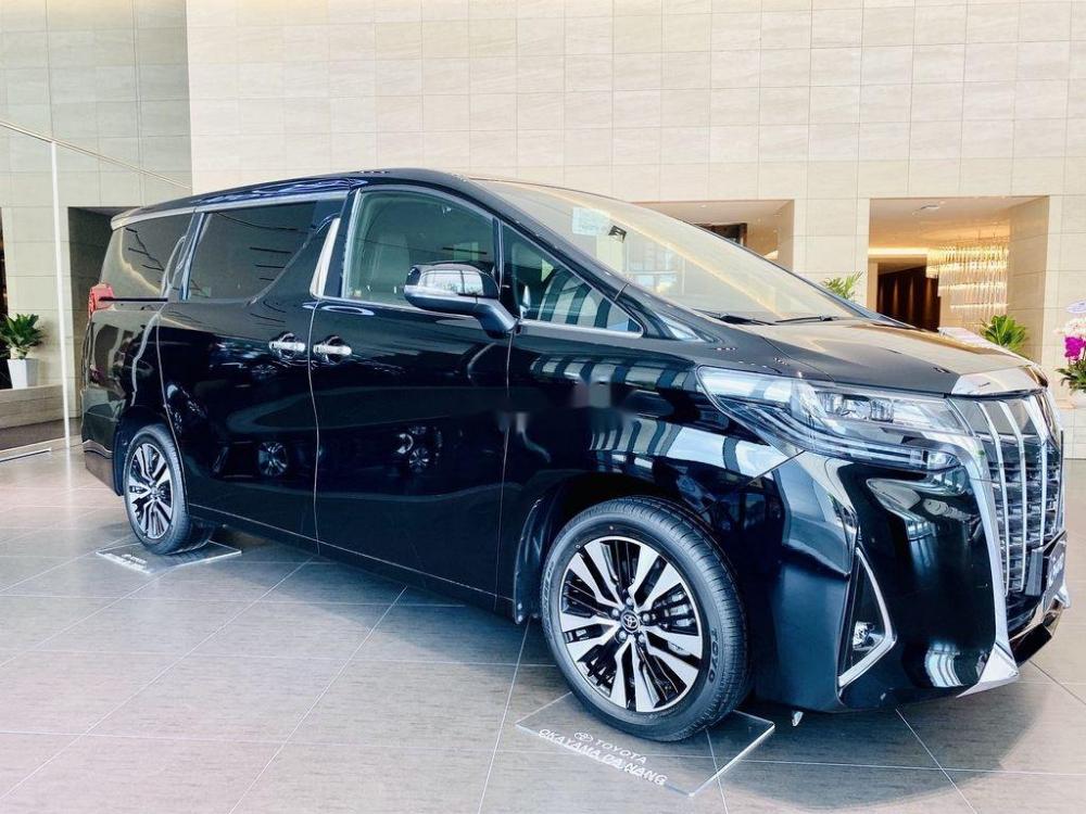 Dòng xe ô tô Alphard của Toyota vừa tung ra thị trường. (Ảnh minh họa)