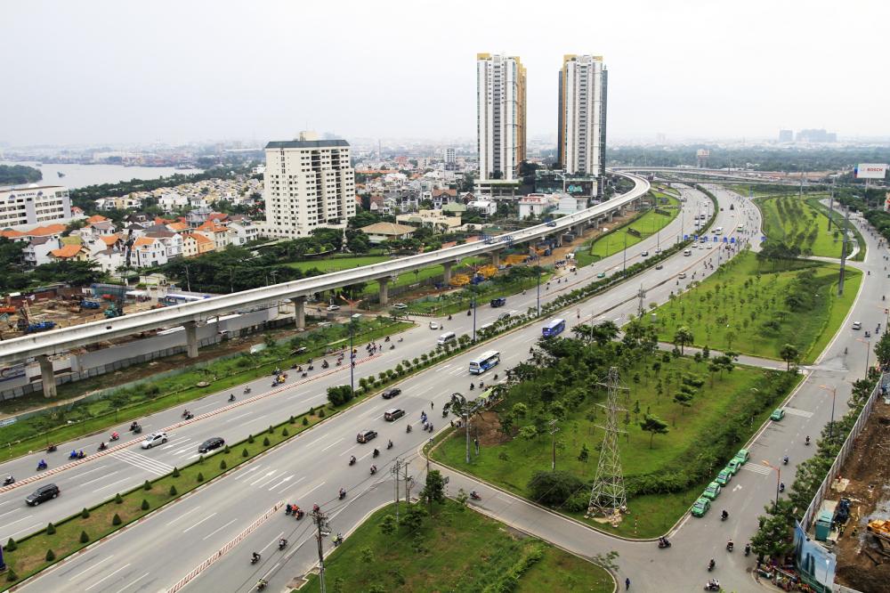 Tháng Mười, tàu metro thuộc tuyến metro số 1 sẽ về TP.HCM. Trong ảnh là đoạn depot và nhà ga trên cao thuộc tuyến metro số 1