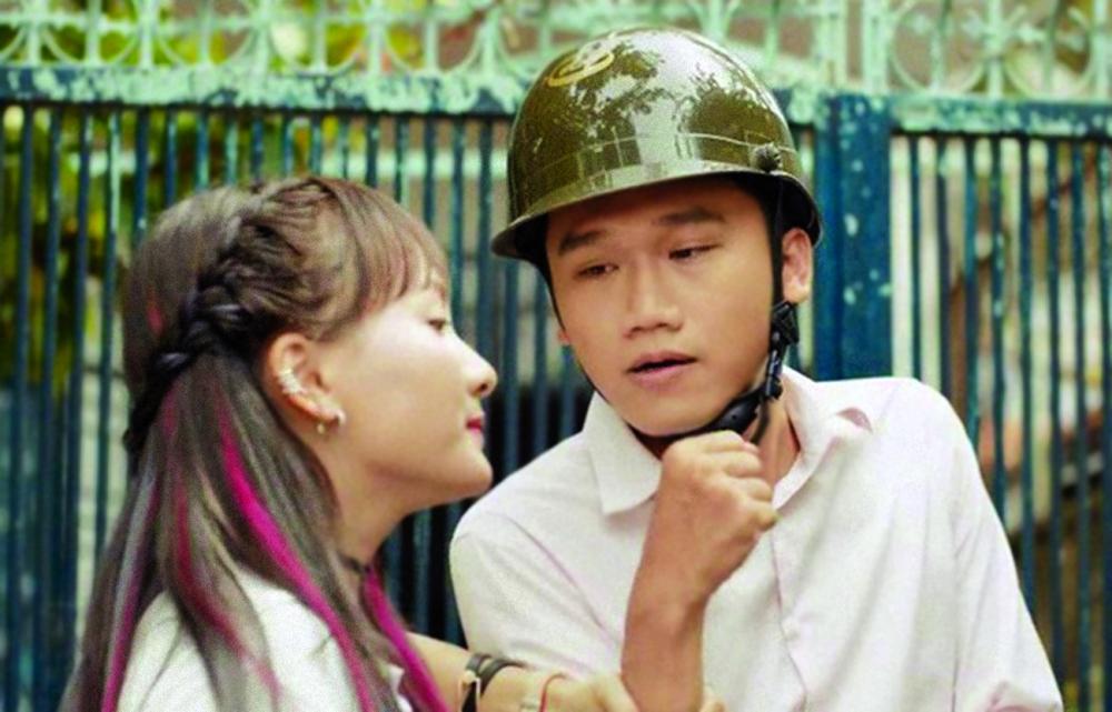 Bên cạnh diễn viên Bảo Thanh (trái) trong phim Ngày ấy mình đã yêu - ảnh: internet