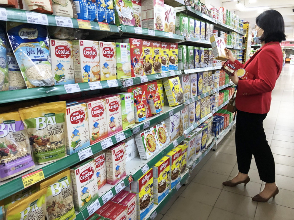 """Sản phẩm ăn dặm tại các siêu thị rất """"hẻo"""", chỉ có bột ăn dặm"""