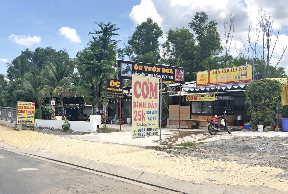 Đất quy hoạch công viên ở khu đô thị Him Lam - Kênh Tẻ bị biến thành nhà hàng hải sản