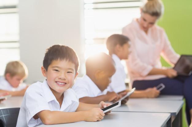 Điện thoại được học sinh sử dụng trong nhiều lớp học ở nước ngoài. Ảnh minh họa