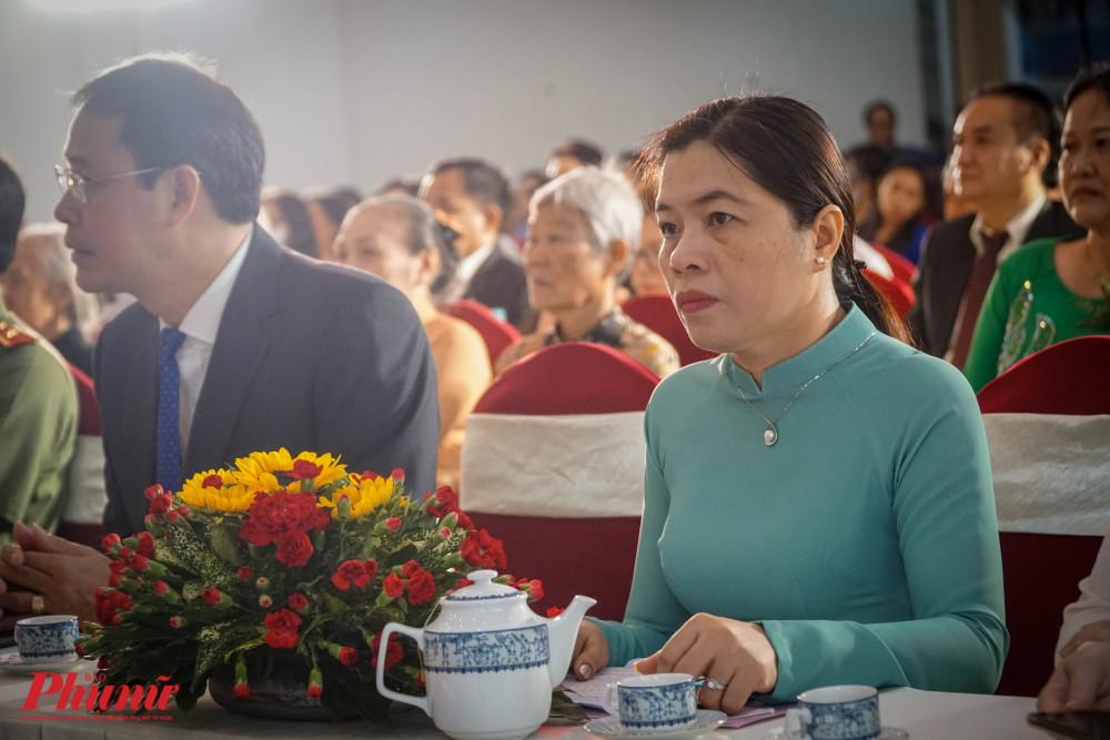 Buỗi lễ có sự tham dự của  bà Nguyễn Trần Phượng Trân - Chut tịch Hội Liên hiệp Phụ Nữ TPHCM