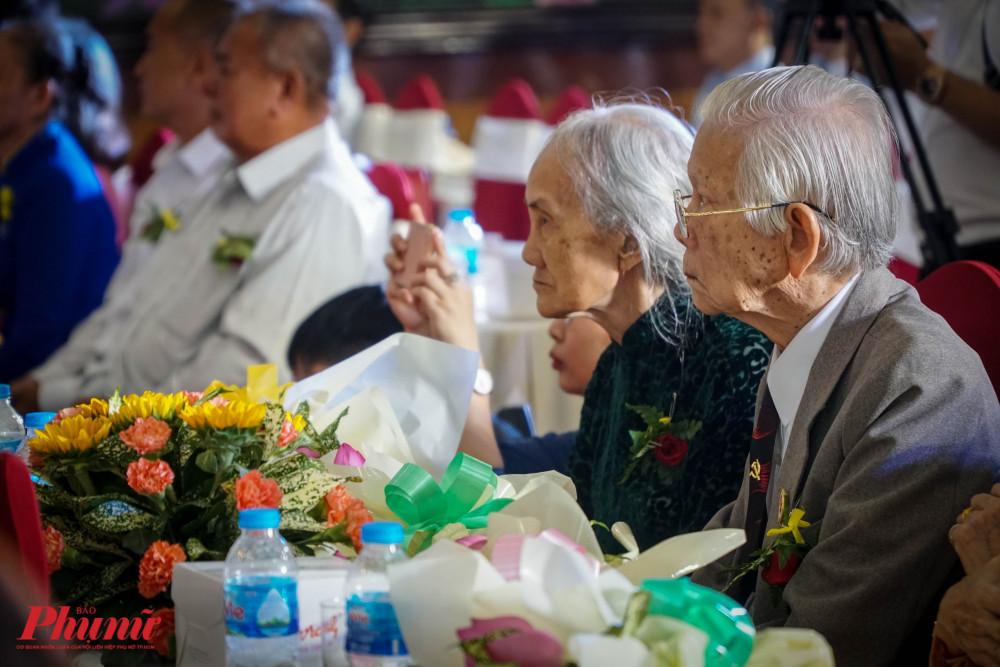 Buỗi Lễ có sự tham dự của 41 đại diện gia đình bà Mẹ Việt Nam Anh Hùng của 14 quận, huyện trên địa bàn TPHCM