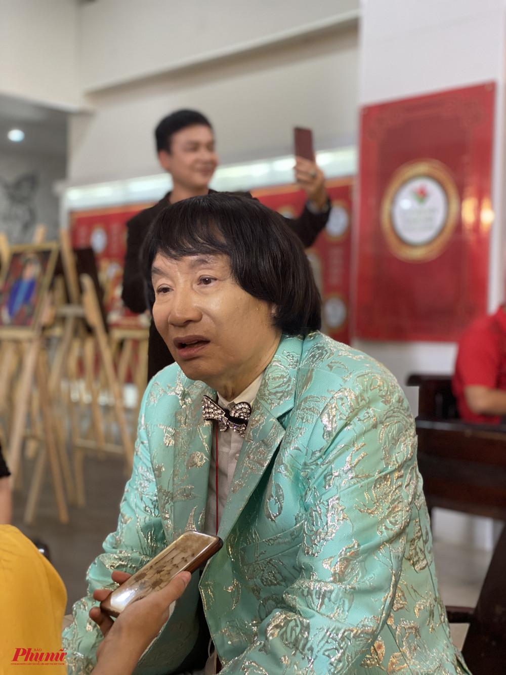 NSND Minh Vương tham gia lễ giổ tổ sân khấu được tổ chức sớm tại Nhà Văn hoá Thanh niên TPHCM hôm 26/9