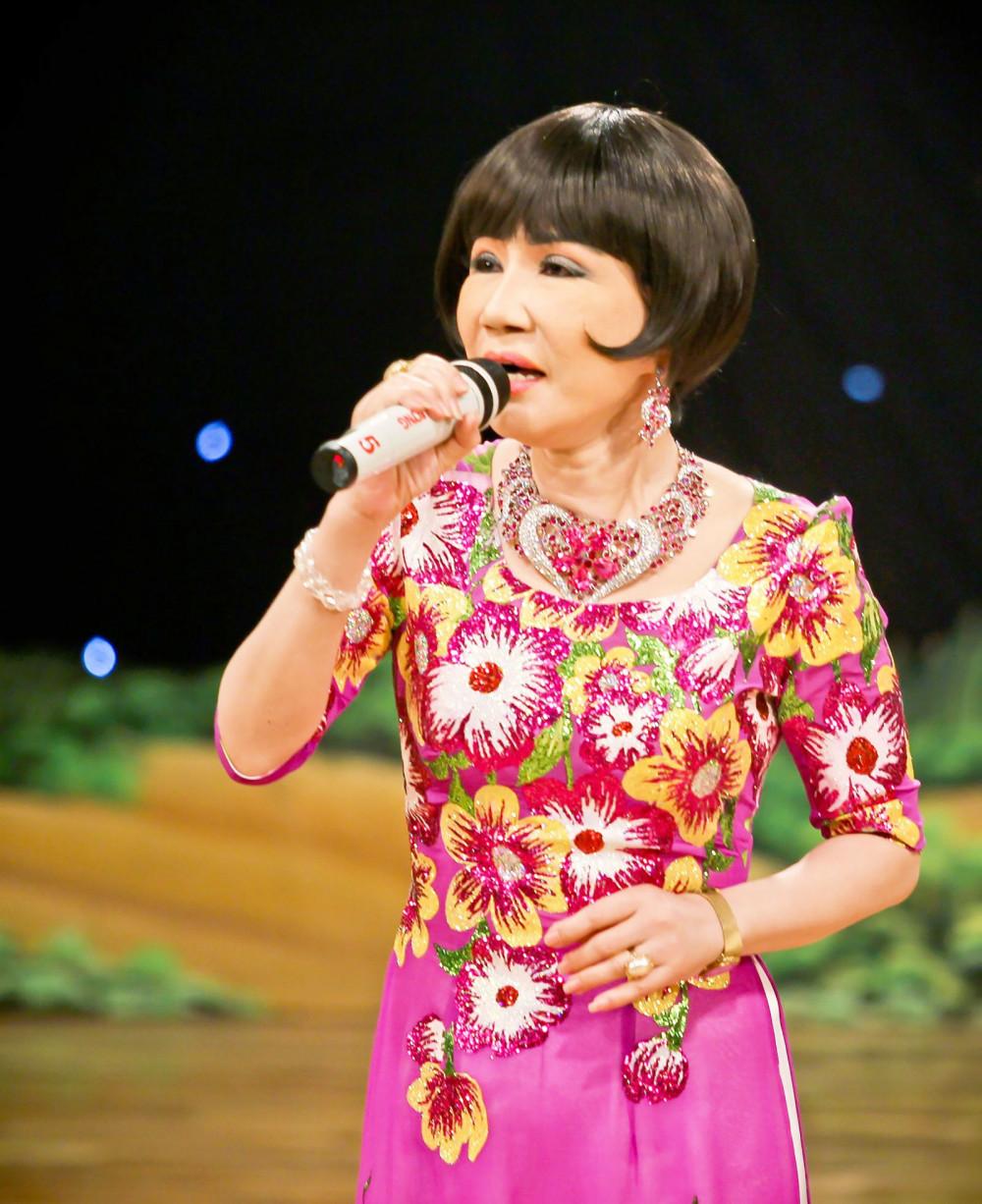 Nghệ sĩ Thanh Kim Huệ đề cao giá trị của khiêm tốn trong sự thành công của một nghệ sĩ