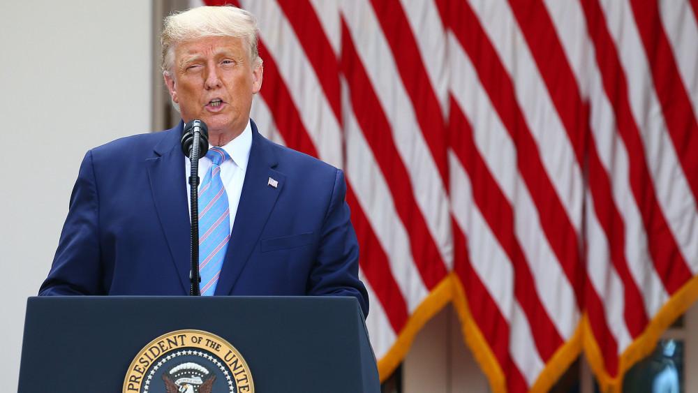 Tổng thống Donald Trump phát biểu tại Vườn Hồng ở Nhà Trắng.