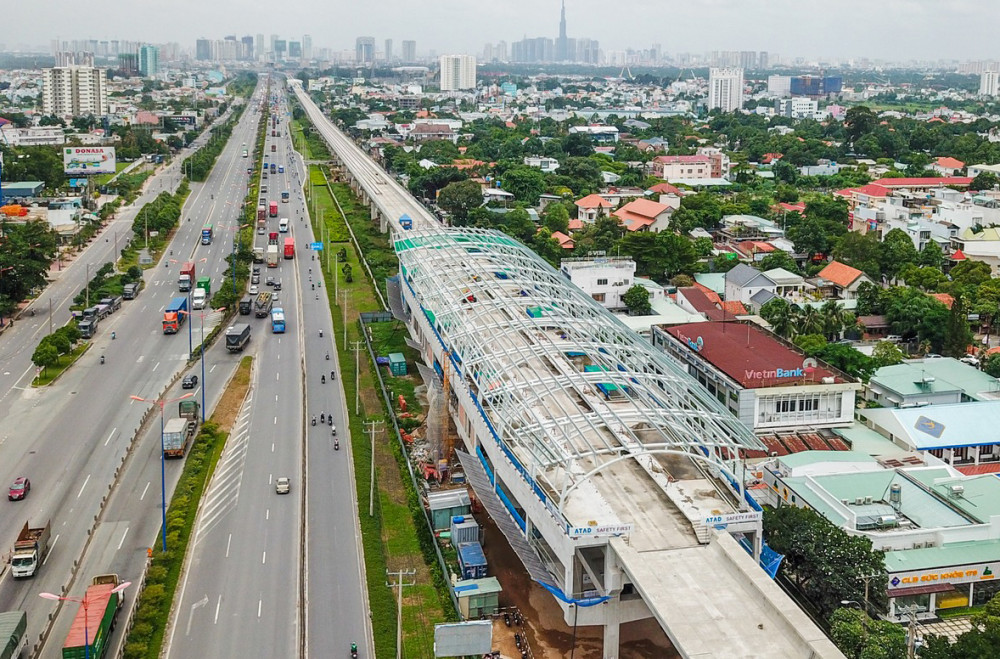 Việc triển khai dự án các tuyến đường sắt đô thị TPHCM gặp nhiều khó khăn, vướng mắc dẫn đến chậm tiến độ, chưa thấy được hiệu quả khó thu hút nhà đầu tư