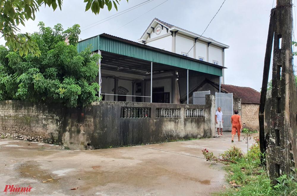 Không được bình chọn vào hộ cận nghèo, hai vợ chồng ông Minh được ghép tên vào hai hộ cận nghèo khác