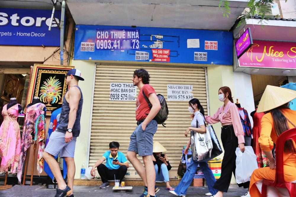 Do nhu cầu cho thuê nhà ở, mặt bằng kinh doanh… tăng vọt sau nhiều tháng bùng phát dịch COVID-19, không ít chủ nhà, chủ đầu tư thành nạn nhân của tội phạm công nghệ - Ảnh: Minh Thanh
