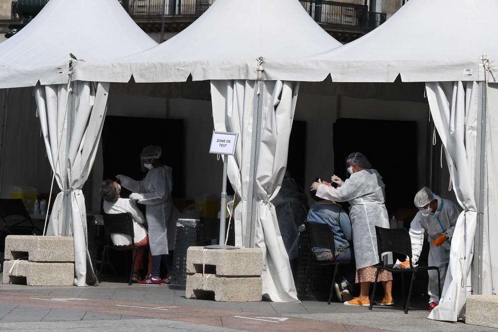 Tây Ban Nha báo cáo số ca nhiễm mới SARS-CoV-2 tăng đột biến.