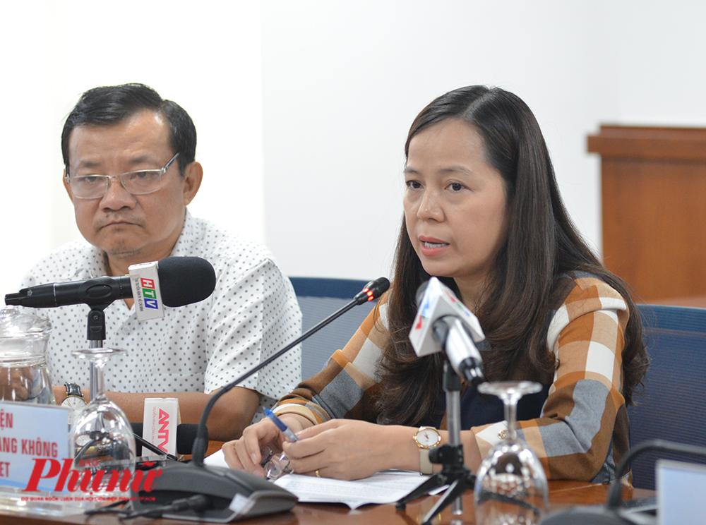 Bà Nguyễn  Thị Thúy  Bình – Phó Tổng giám đốc Công ty cổ phần Hàng không Vietjet tại buổi họp báo ngày 1/10/2020