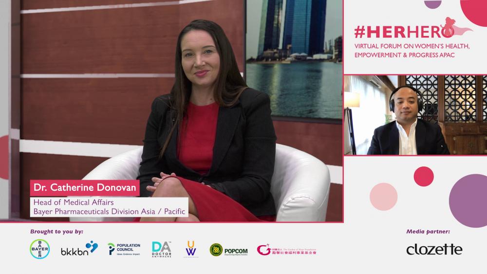 Bác sĩ Catherine Donovan, Giám đốc Y khoa, nhánh Dược phẩm của Bayer tại khu vực châu Á -Thái Bình Dương chia sẻ chiến dịch #HerHero và mục tiêu của Bayer hướng tới bảo vệ sức khỏe và các nhu cầu của nữ giới. Ảnh: Bayer Việt Nam cung cấp