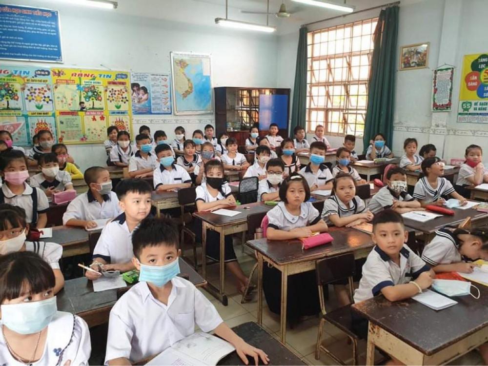 Ảnh minh hoạ: Học sinh lớp 1 trường tiểu học Lê Văn Thọ (quận 12)
