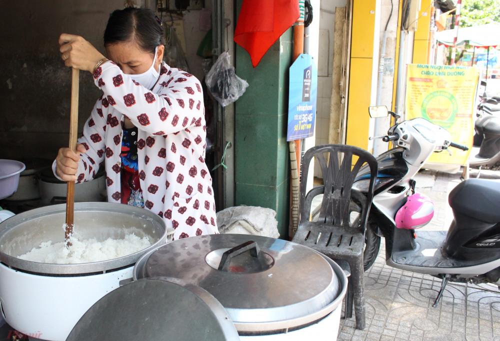 Có một thời, con phố trên đường Nguyễn Thông thơm mùi cơm trắng