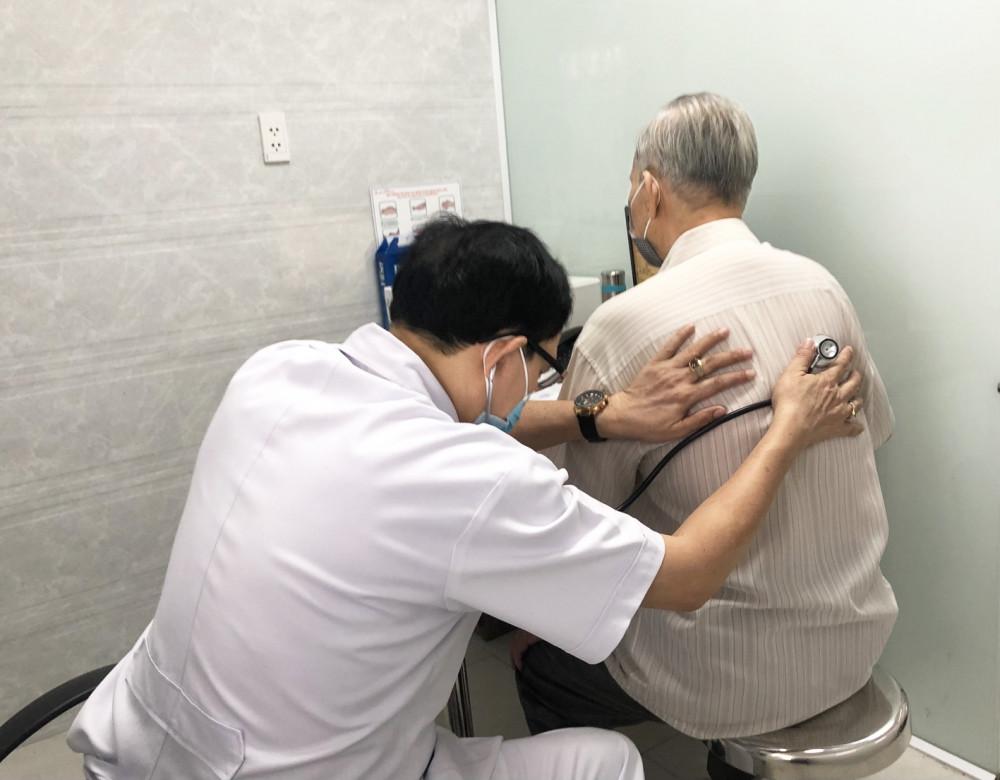 Nhiều người già đi khám bệnh vì lo lắng thái quá chứ không phải bị bệnh