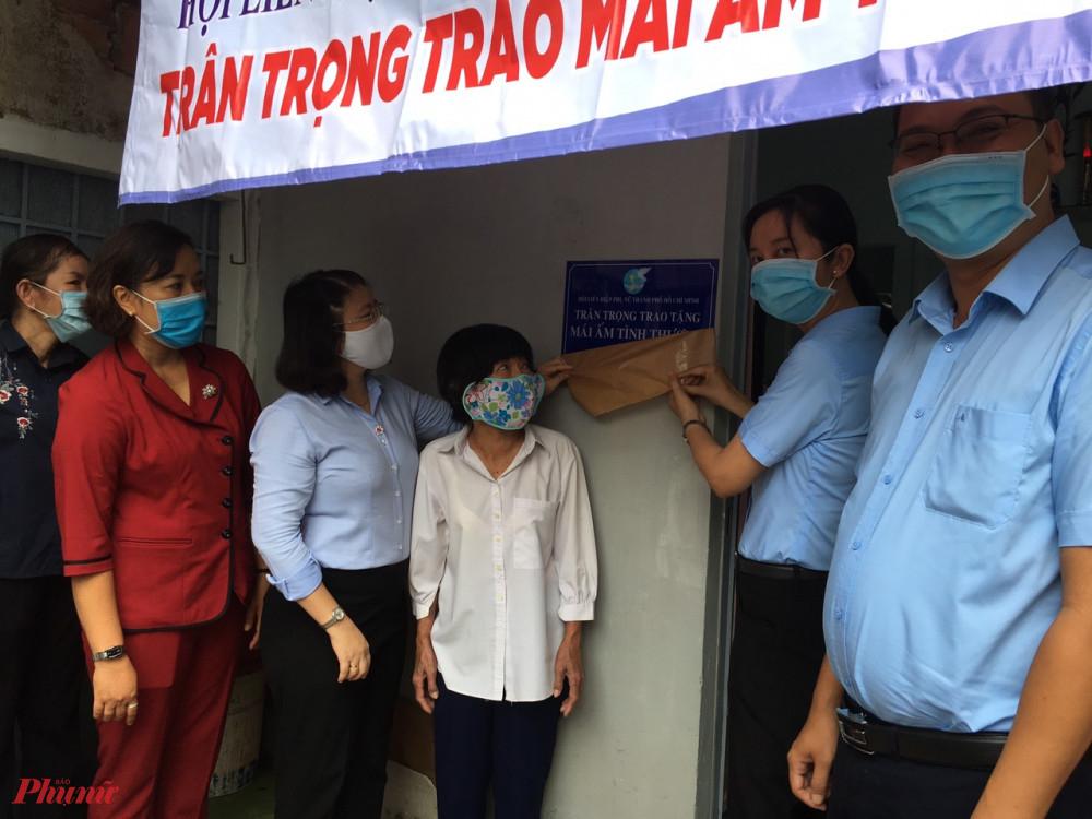 Hội tặng mái ấm tình thương cho phụ nữ khó khăn tại quận Gò Vấp.