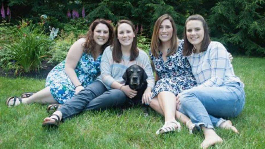 Chị em Fagan. Từ trái qua: Emily, Maureen, Adeline và Natalie Fagan - Ảnh: Maureen Fagan