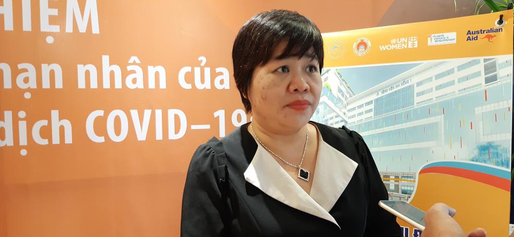 Bà Lê Thị Phương Thúy chia sẻ nỗi uất ức của những chị em bị bạo lực từng tìm đến tạm lánh ở ngôi Nhà Bình yên
