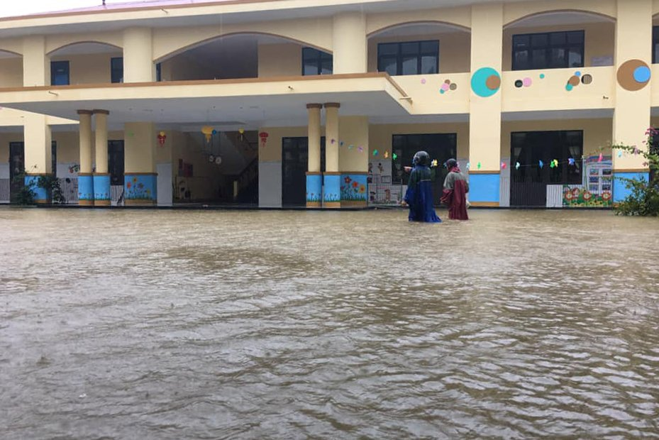 Trong sáng 10/8 tại Quảng Trị nhiều điểm trường đã cho phép học sinh nghỉ học để tránh lũ
