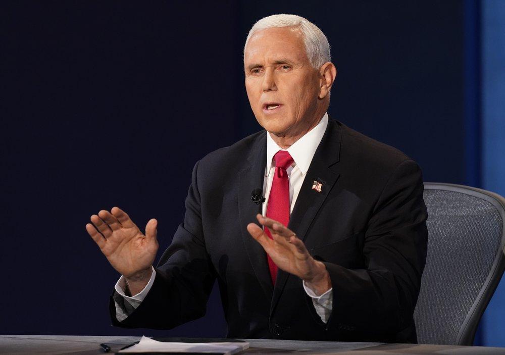 Ông Mike Pence phản pháo các chỉ trích của bà Kamala Harris.