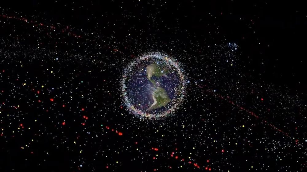 Xung quanh Trái Đất là một bãi rác không gian đang dần trở nên đông đúc