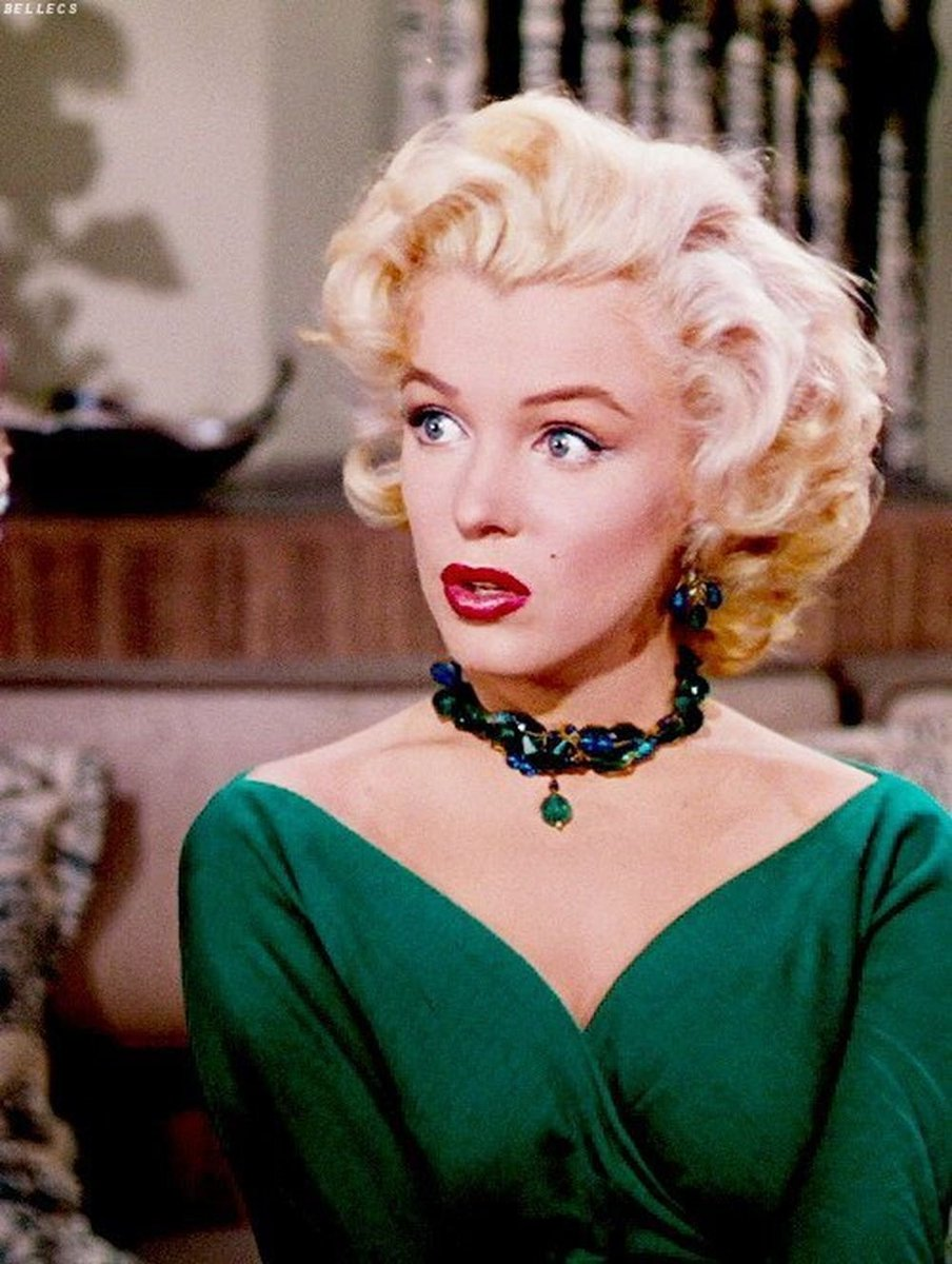 "Marilyn Monroe trong ""Gentlemen Prefer Blondes""."