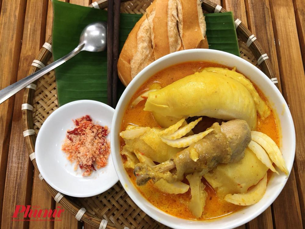 Cà ri gà sầu riêng - món ăn độc đáo của chàng trai trẻ khiến chị em tò mò.