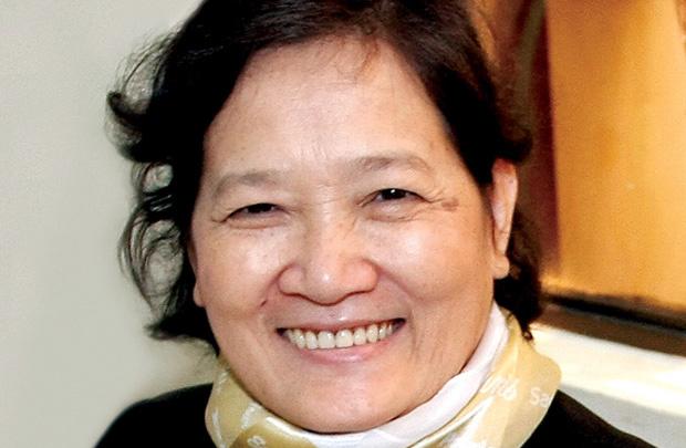 Nhà báo Nguyễn Minh Hiền sinh năm 1951 tại huyện Củ Chi, TP HCM, tham gia cách mạng năm 1964, vào Đảng năm 1975, Nguyên Phó Tổng biên tập báo Phụ nữ TP HCM