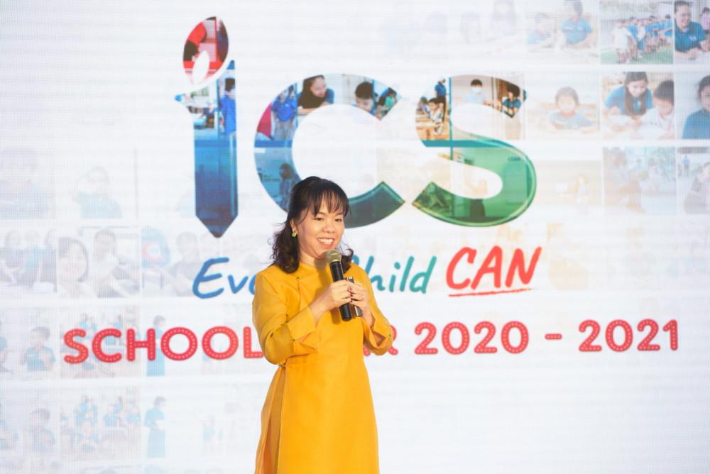 Theo chuyên gia giáo dục Nguyễn Thúy Uyên Phương, đứa trẻ cần sự hiện diện đầy tôn trọng của cha mẹ để yên tâm rằng, mình đang được đồng hành chứ không phải được làm thay