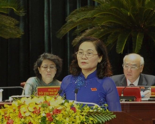 Bà Nguyễn Thị Lệ - Chủ tịch Hội đồng nhân dân TPHCM thông qua chương trình làm việc - Ảnh:Thanhuytphcm