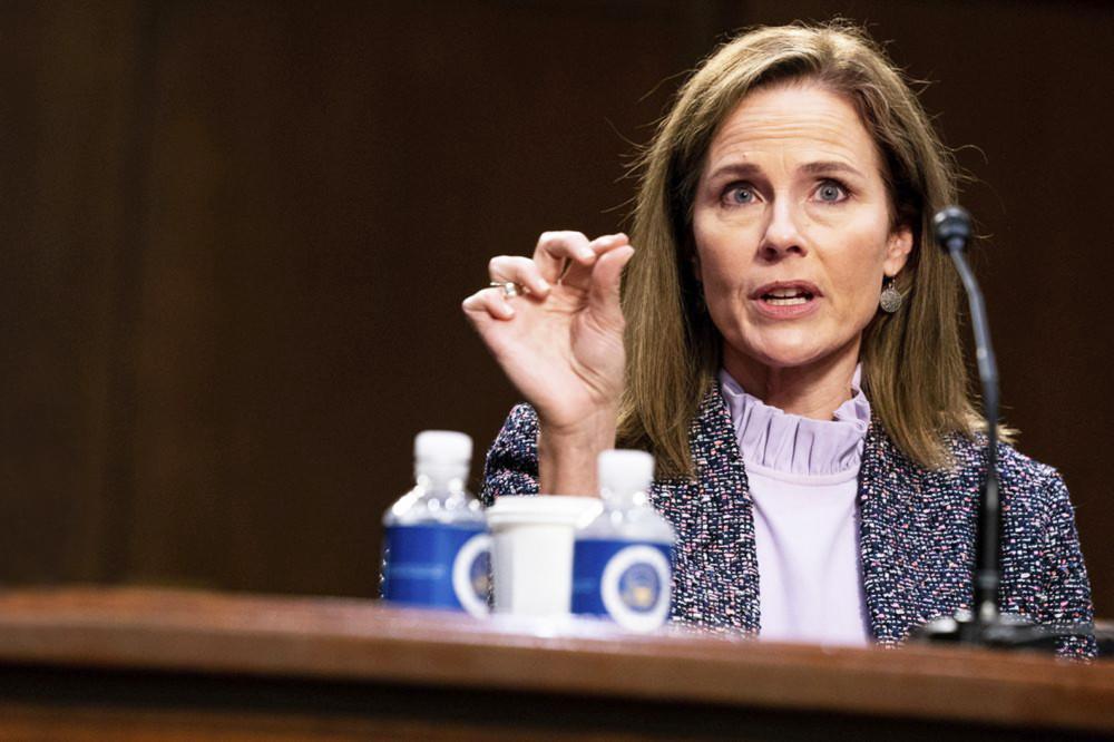 Amy Coney Barrett phát biểu trong buổi điều trần trước Ủy ban Tư pháp  Thượng viện tại đồi Capitol, Washington - Ảnh: AP