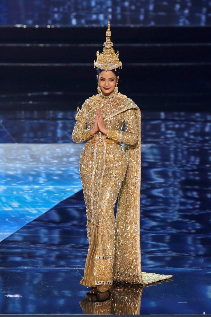 Trang phục truyền thống của Thái Lan tại Hoa hậu Hoàn vũ 2016