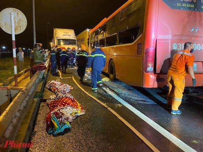 Hai hành khách bị tử vong tại chỗ