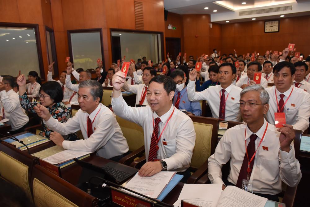 Hôm qua, các đại biểu đã thông qua chương trình và quy chế làm việc của đại hội trong phiên trù bịngày 14/10,