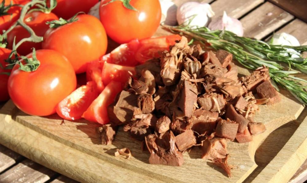 Kết cấu giống như thịt của nó làm cho cùi mít lý tưởng như một chất thay thế thịt. Ảnh: Shutterstock