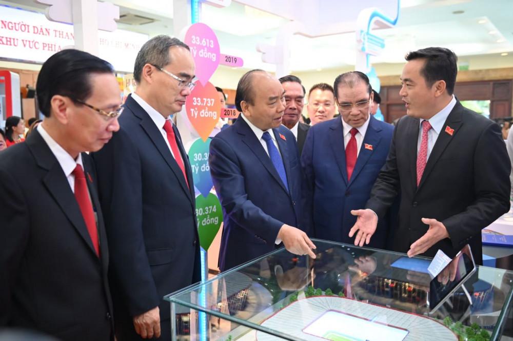 Ngày 15/10, tham dự phiên khai mạc, Thủ tướng Chính phủ Nguyễn Xuân Phúc cùng một số lãnh đạo