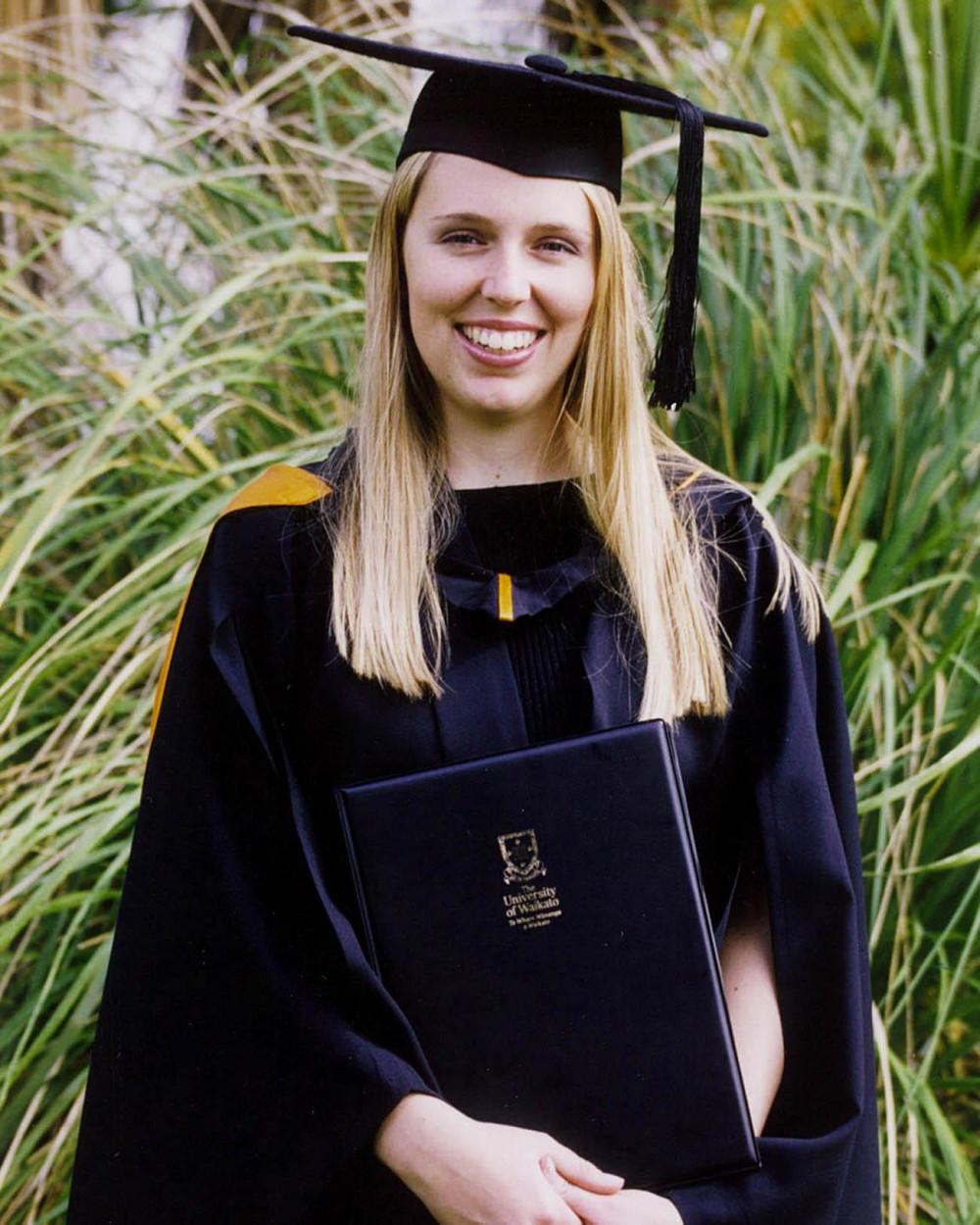 Tân cử nhân trường đại học Waikato rạng rỡ ngày tốt nghiệp - Ảnh: The Times