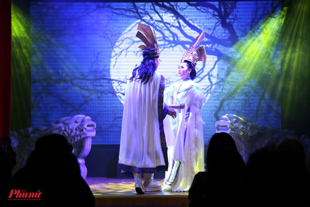 Truyền tích Cổ Loa xưa là vở diễn khai màn tại sân khấu Sen Việt