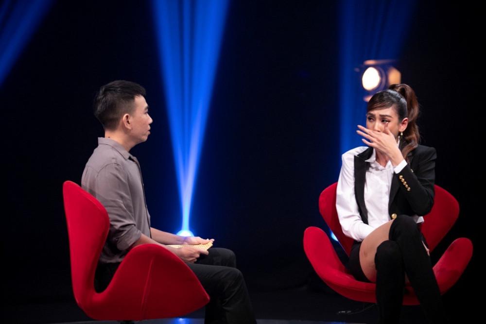 Người mẫu Võ Hoàng Yến là khách mời mở màn phiên bản mới của chương trình Như chưa hề có cuộc chia ly.