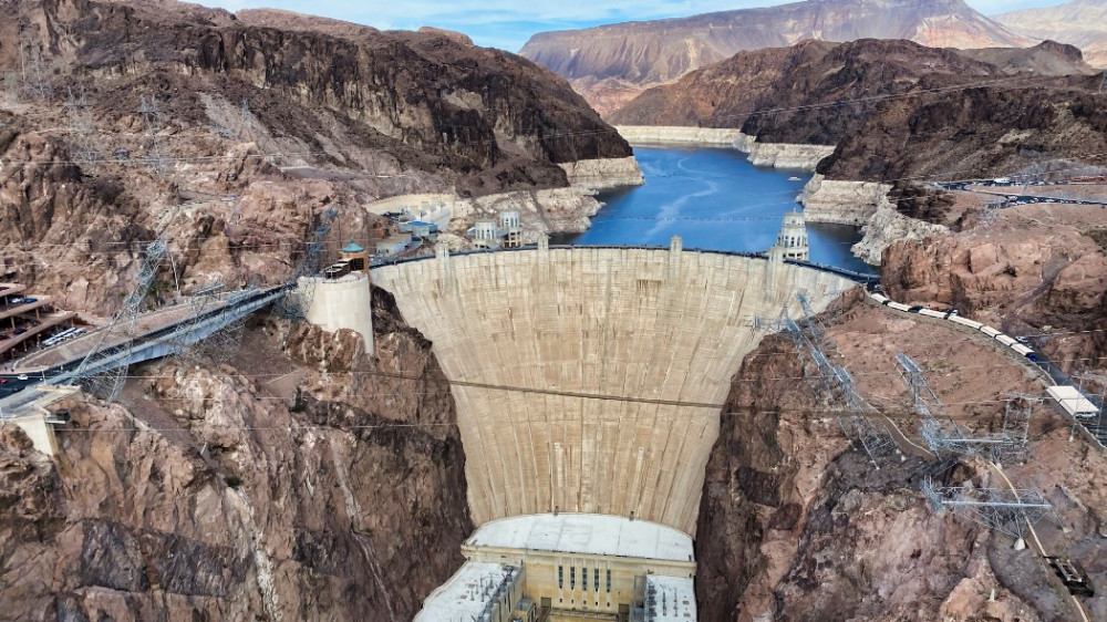 Đập Hoover là một trong những nhà máy thủy điện lớn nhất nước Mỹ - Ảnh: Ryan Thorpe/Unsplash