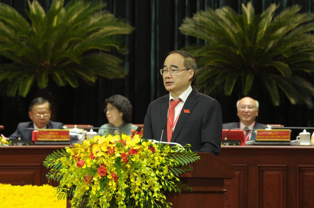 Nguyên Bí thư Thành ủy TPHCM Nguyễn Thiện Nhân - người tiếp tục được giao nhiệm vụ theo dõi, chỉ đạo Đảng bộ TPHCM cho đến khi kết thúc Đại hội Đại biểu toàn quốc lần thứ XIII của Đảng, phát biểu bế mạc đại hội